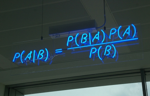 1200px-Bayes'_Theorem_MMB_01.jpg